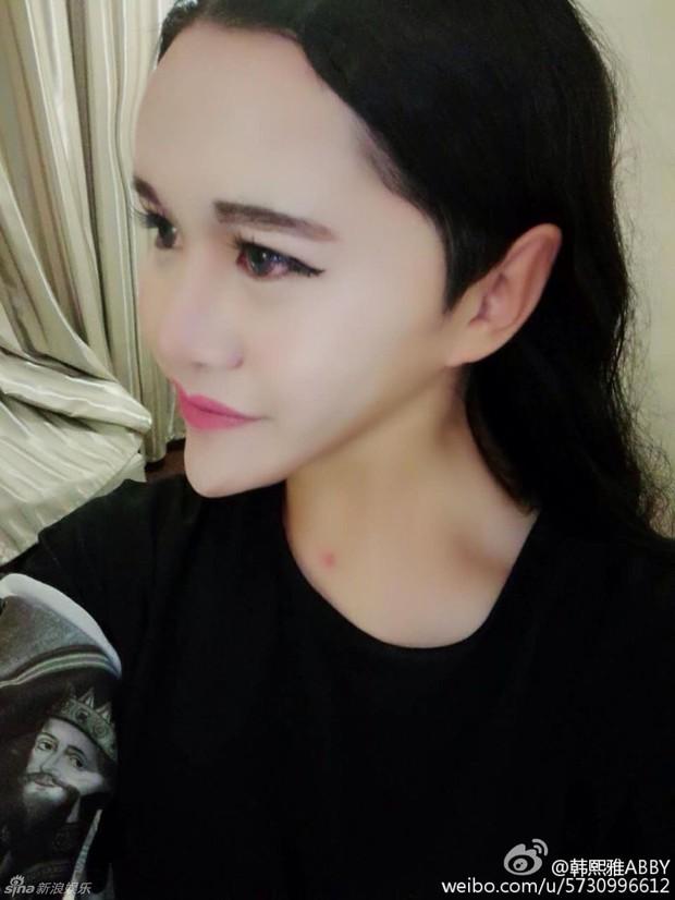 Cô gái mặt rắn tự nhận là con lai giữa 8 dòng máu Trung, Ấn, Anh, Hàn, Philippines, Việt Nam... - Ảnh 4.