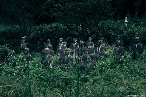 Nỗi ám ảnh từ những bức tượng biết đi tại công viên ma Nhật Bản - Ảnh 15.