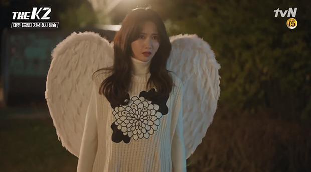 """""""K2"""": Thân phận thật sự của Yoona đã được tiết lộ - Ảnh 14."""