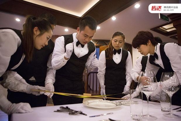 Những điều có thể bạn chưa biết về các lớp đào tạo quý tộc dành cho giới nhà giàu Trung Quốc - Ảnh 11.