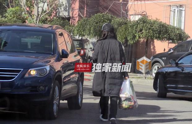Mỹ nhân Lan Lăng Vương Phi lộ ảnh sống chung cùng bạn diễn điển trai - Ảnh 4.