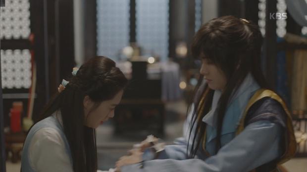 Hwarang: Park Seo Joon ôm hận đến tìm Park Hyung Sik đòi nợ máu - Ảnh 14.