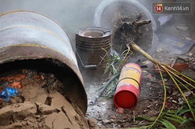 Hà Nội: Cháy gara ô tô tại Văn Quán, 1 xe ô tô cháy rụi - Ảnh 9.
