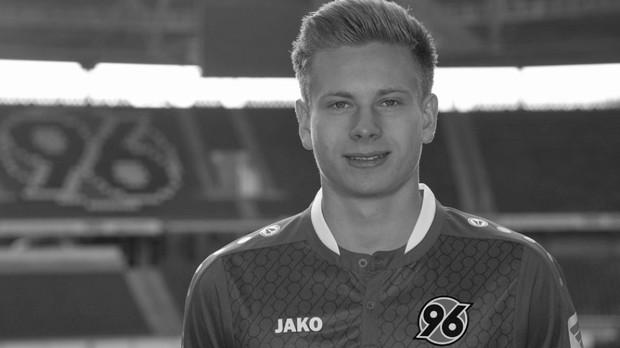 Cầu thủ trẻ người Đức qua đời vì tai nạn giao thông - Ảnh 1.