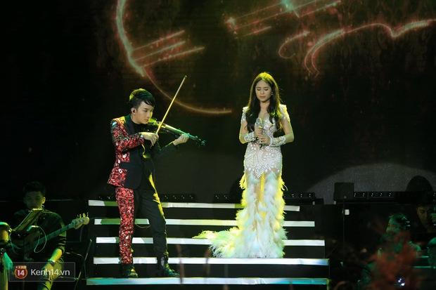 Thu Phương và Kiều Anh không giáp mặt dù cùng là khách mời trong liveshow của Hoàng Rob - Ảnh 13.