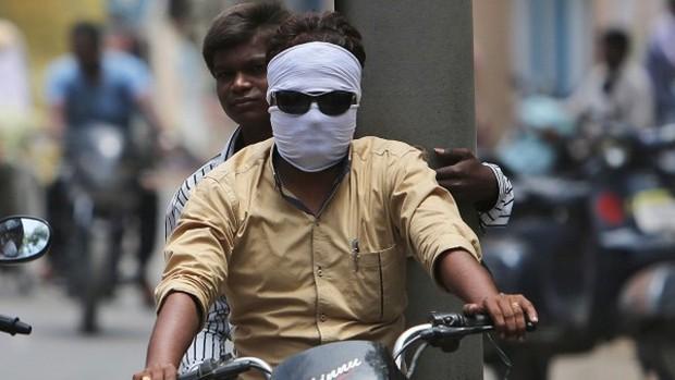 Ấn Độ: Nắng nóng 49,5 độ C, 135 người chết - Ảnh 7.