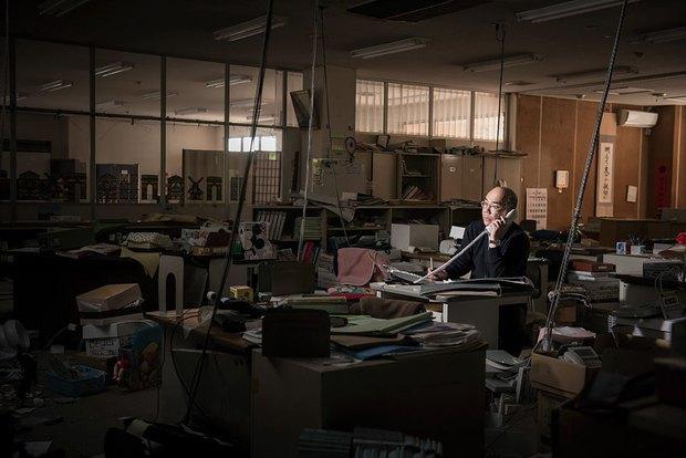 Nhật Bản: Người dân Fukushima trở lại thành phố ma trong loạt hình đầy ám ảnh - Ảnh 11.