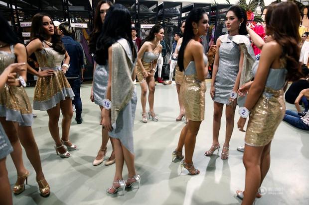 Chùm ảnh: Hậu trường cuộc thi Hoa hậu chuyển giới được quan tâm nhất Thái Lan - Ảnh 12.