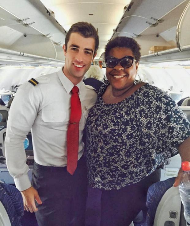 Anh chàng phi công siêu đẹp trai với body 6 múi đang làm dậy sóng Instagram  - Ảnh 11.
