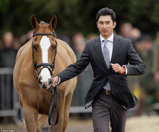 """Trai đẹp """"vạn người mê"""" từ bỏ nước Anh sang thi đấu cho đội đua ngựa Trung Quốc - Ảnh 7."""