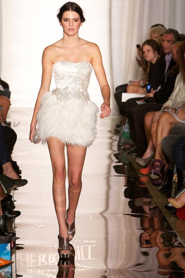 Bạn sẽ không thể nhận ra chị em Kendall & Kylie khi họ tham gia kỳ fashion week đầu tiên 5 năm trước - Ảnh 13.