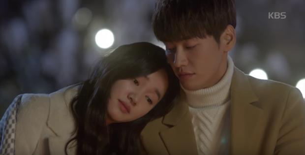"""Sweet Stranger and Me của """"bố trẻ"""" Kim Young Kwang và Soo Ae dần gục ngã - Ảnh 15."""
