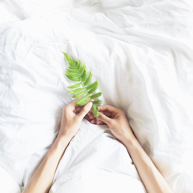 Học chụp hình flatlay tuyệt đẹp từ tài khoản Instagram của các bạn trẻ Việt - Ảnh 34.