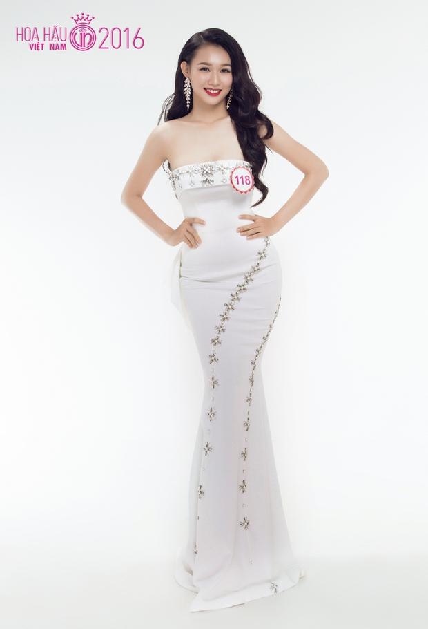 Hoa hậu Việt Nam 2016: 30 người đẹp tranh tài ở vòng Chung khảo phía Nam lộng lẫy với váy dạ hội - Ảnh 4.