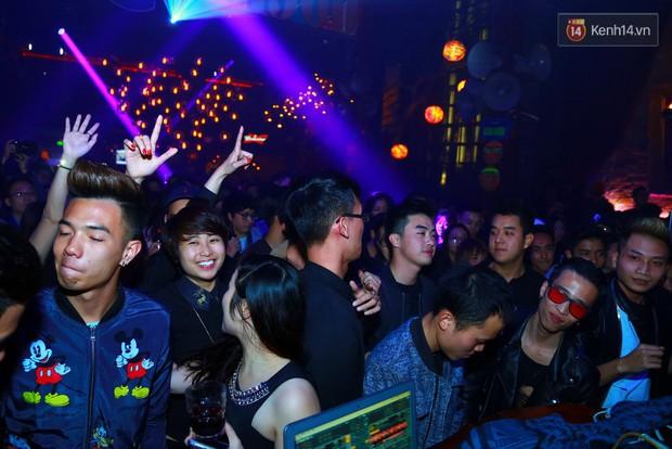 Khán giả Hà Nội hoài niệm trong đêm nhạc Deep House bay bổng cùng DJ Ahmet Kilic - Ảnh 16.