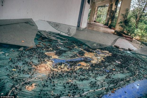 Thêm những hình ảnh rùng rợn của công viên nước bỏ hoang tại Việt Nam lên báo nước ngoài - Ảnh 5.