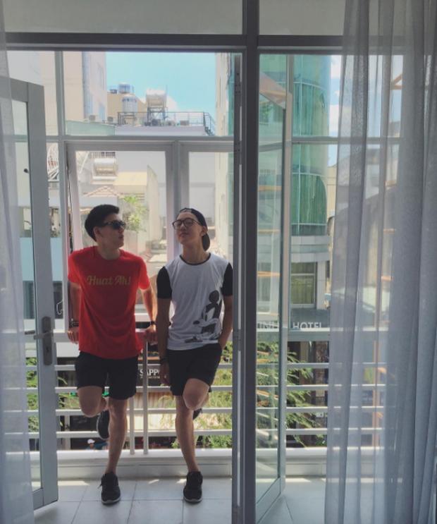 2 anh em sinh đôi lai Việt - Thái đẹp trai, hát hay đang cực hot trên MXH - Ảnh 9.