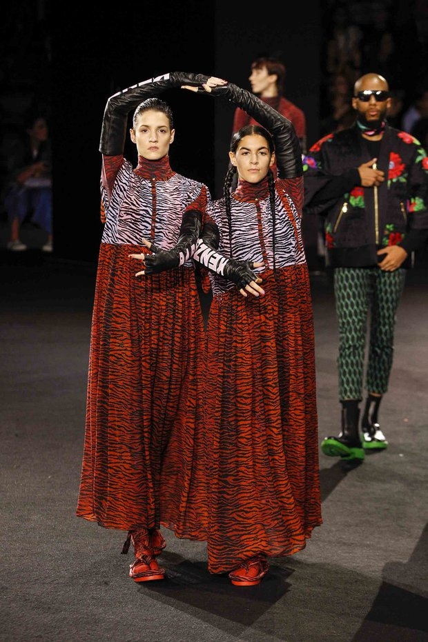 Show H&M x Kenzo tại New York: Suboi diện thiết kế mới nhất, ngồi hàng ghế đầu cùng loạt sao đình đám - Ảnh 20.