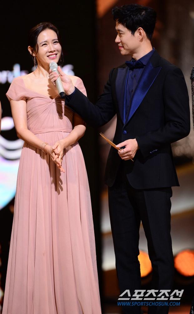 """Phim kinh dị """"The Wailing"""" đánh chiếm Rồng Xanh 2016, Lee Byung Hun lên ngôi Ảnh đế - Ảnh 13."""