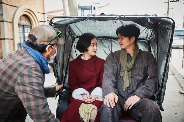 Song Joong Ki hề hấn gì, năm 2016 phải là thời đại của Gong Yoo! - Ảnh 12.