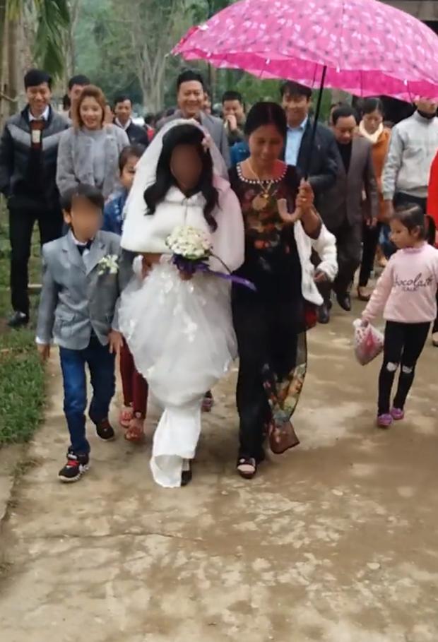 Đám cưới cổ tích của Bạch Tuyết và chú lùn ở Hà Tĩnh gây xôn xao - Ảnh 2.