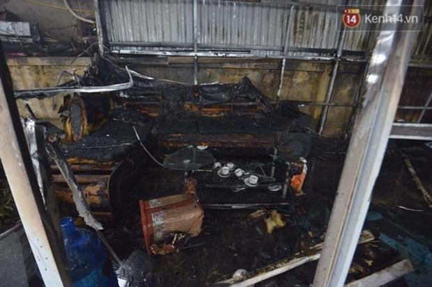 Hà Nội: Cháy gara ô tô tại Văn Quán, 1 xe ô tô cháy rụi - Ảnh 7.