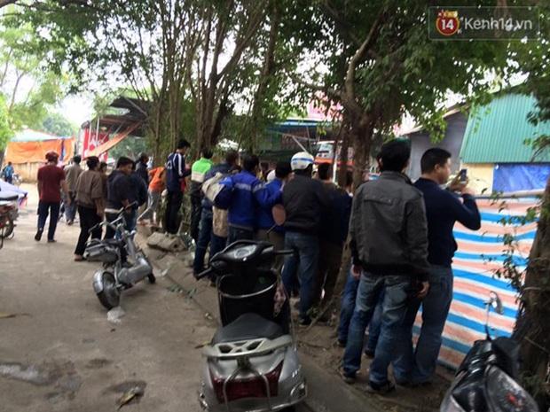 Hà Nội: Cháy gara ô tô tại Văn Quán, 1 xe ô tô cháy rụi - Ảnh 10.