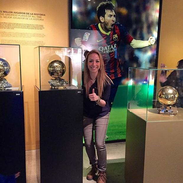 Hi hữu chuyện bạn gái mới của Ronaldo lại đem lòng yêu Messi - Ảnh 7.