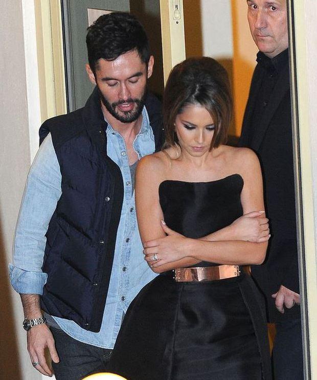 Ashley Cole hết hy vọng tái hợp với vợ cũ Cheryl - Ảnh 1.
