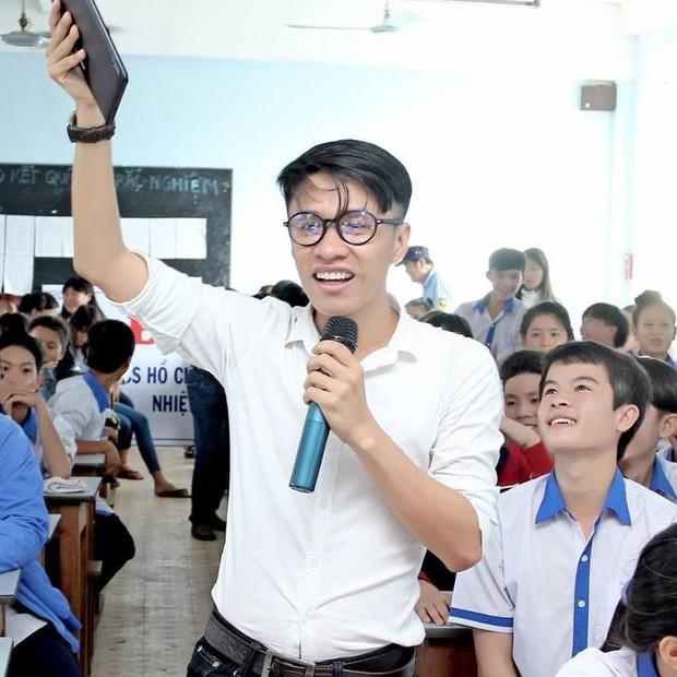 Chàng trai khiến cả tỉnh Ninh Thuận thay đổi chính sách thi Học sinh giỏi chỉ với một câu nói! - Ảnh 3.