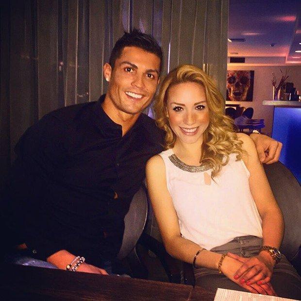Hi hữu chuyện bạn gái mới của Ronaldo lại đem lòng yêu Messi - Ảnh 4.