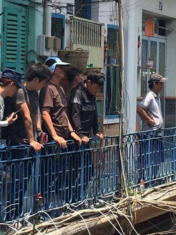 Sao TVB Quách Tấn An, Huỳnh Đức Bân, Chu Thần Lệ được fan bắt gặp quay phim tại Chợ Lớn - Ảnh 12.