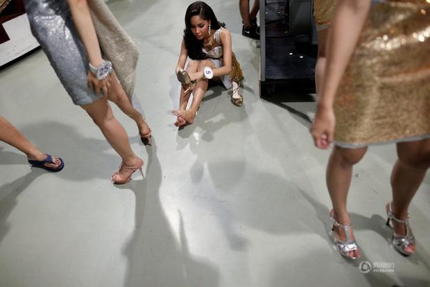 Chùm ảnh: Hậu trường cuộc thi Hoa hậu chuyển giới được quan tâm nhất Thái Lan - Ảnh 14.