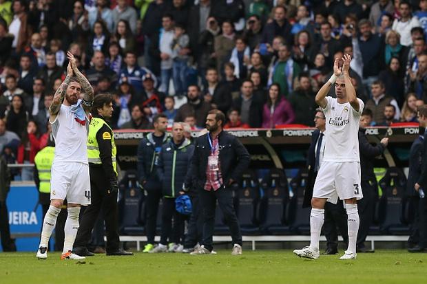 Ronaldo lập siêu kỷ lục, Real Madrid vẫn ngậm ngùi về nhì ở La Liga - Ảnh 13.