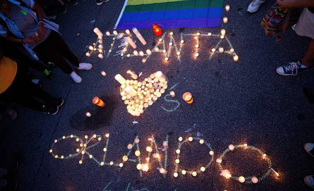 20 bức ảnh chạm tới hàng triệu trái tim sau vụ xả súng đẫm máu nhất trong lịch sử Mỹ - Ảnh 12.