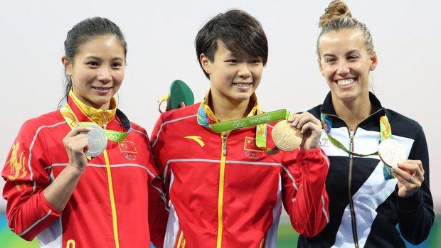 Nữ VĐV Trung Quốc xinh đẹp bật khóc khi được cầu hôn trên sàn đấu Olympic 2016 - Ảnh 13.