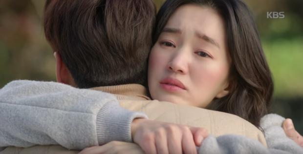 """Soo Ae rũ bỏ mác """"nữ hoàng nước mắt"""", phải lòng trai đẹp Kim Young Kwang - Ảnh 18."""