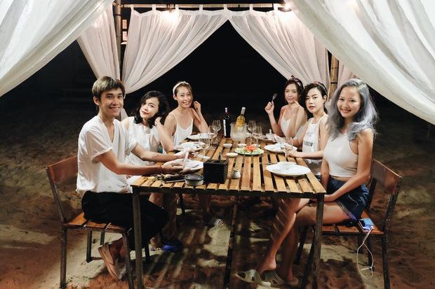 Xu hướng mới của bạn trẻ Việt Nam: Đi du lịch nhóm, mặc đồ cùng tông rồi diễn như tạp chí! - Ảnh 19.