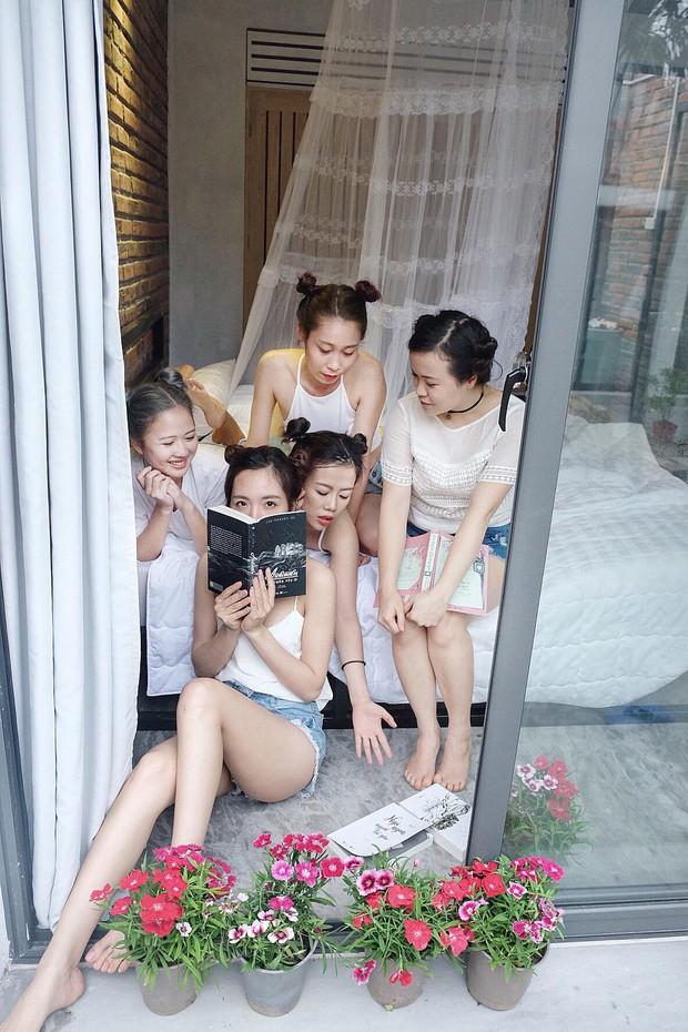 Xu hướng mới của bạn trẻ Việt Nam: Đi du lịch nhóm, mặc đồ cùng tông rồi diễn như tạp chí! - Ảnh 20.