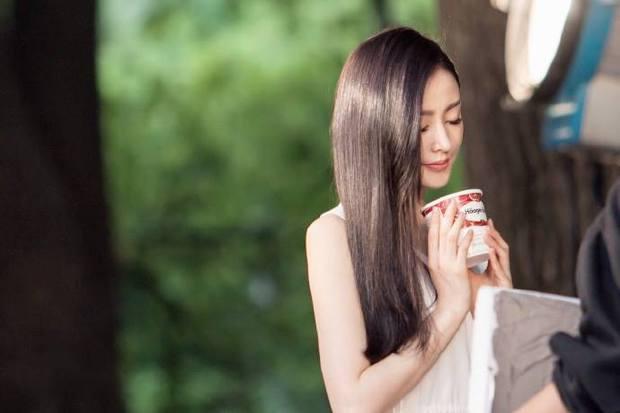 Thái tử phi Trương Thiên Ái lại gây thương nhớ với nụ cười rạng rỡ - Ảnh 16.
