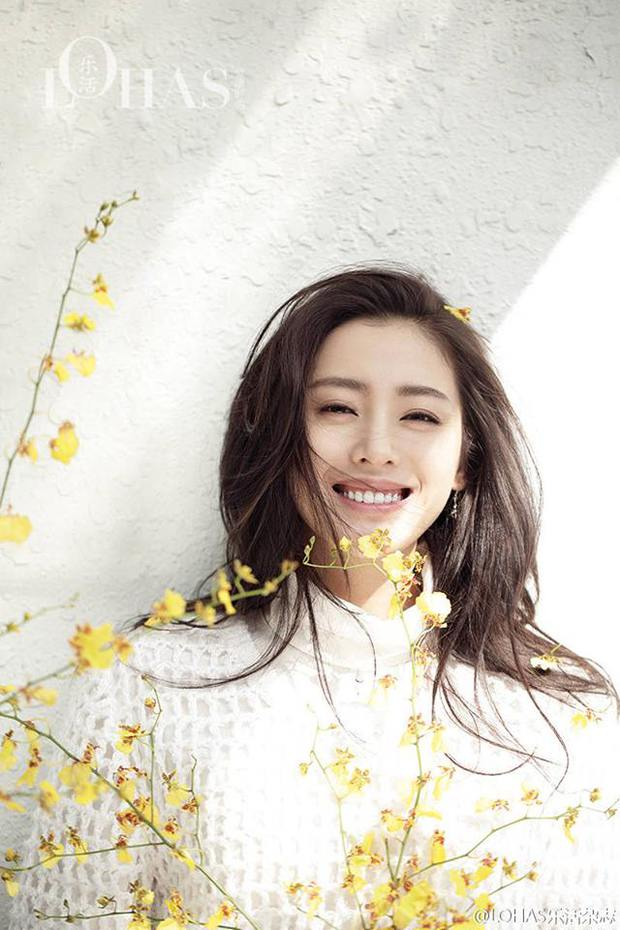 Thái tử phi Trương Thiên Ái lại gây thương nhớ với nụ cười rạng rỡ - Ảnh 13.