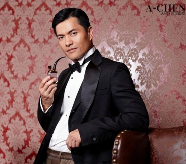 """Sau 21 năm, chàng """"Triển Chiêu"""" sinh ra ở Việt Nam đã trở thành tỷ phú Hồng Kông thành đạt - Ảnh 1."""