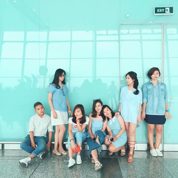 Xu hướng mới của bạn trẻ Việt Nam: Đi du lịch nhóm, mặc đồ cùng tông rồi diễn như tạp chí! - Ảnh 4.
