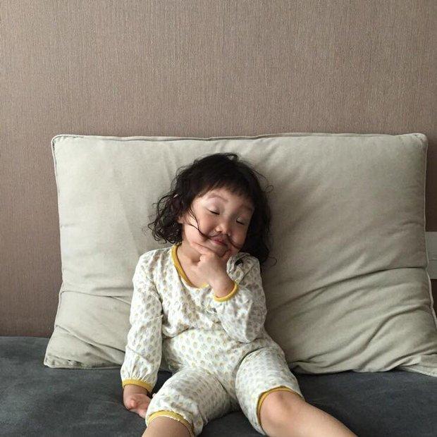Cô bé Hàn Quốc với loạt biểu cảm đáng yêu xuất sắc này đang gây bão khắp mạng xã hội - Ảnh 10.