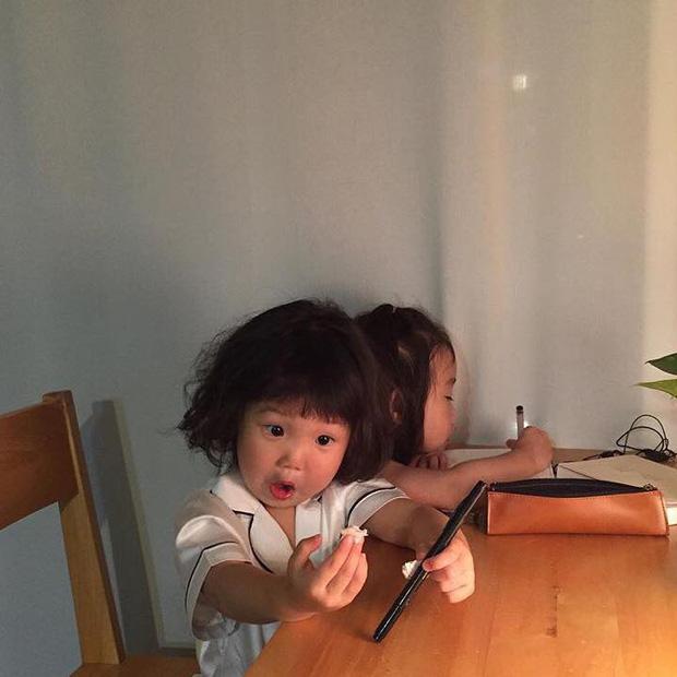 Cô bé Hàn Quốc với loạt biểu cảm đáng yêu xuất sắc này đang gây bão khắp mạng xã hội - Ảnh 5.