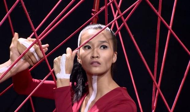 Hành trình đơ bền bỉ của Thùy Trang khiến fan Next Top ức chế - Ảnh 2.