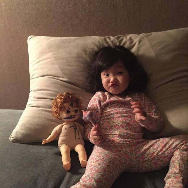 Cô bé Hàn Quốc với loạt biểu cảm đáng yêu xuất sắc này đang gây bão khắp mạng xã hội - Ảnh 21.