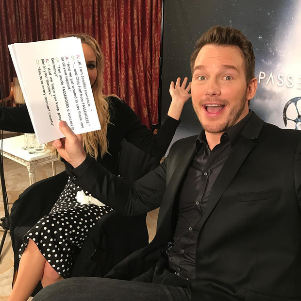 Tình tứ trong Passengers, nhưng Chris Pratt - Jennifer Lawrence ngoài đời lại troll nhau thật bá đạo! - Ảnh 6.