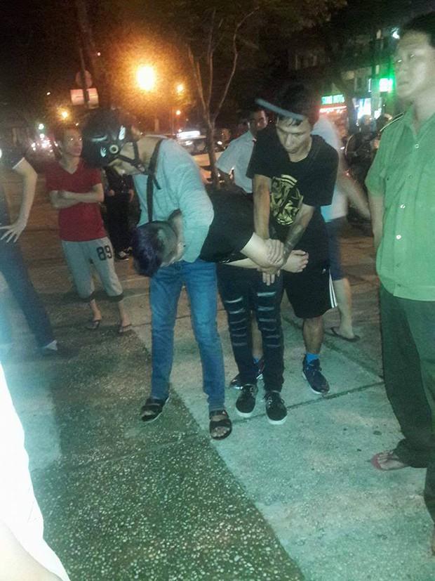 Mải bắt Pokemon, một nạn nhân bị giật điện thoại ngay trung tâm Sài Gòn - Ảnh 1.
