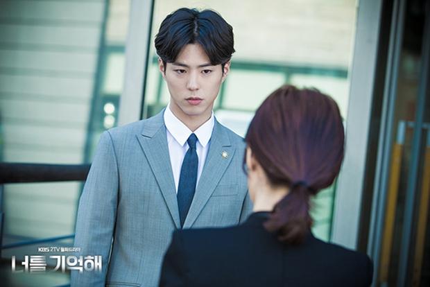 Từ mỹ nam vai phụ, kỳ thủ cờ vây Choi Taek Park Bo Geum hóa hoàng tử truyền hình - Ảnh 16.